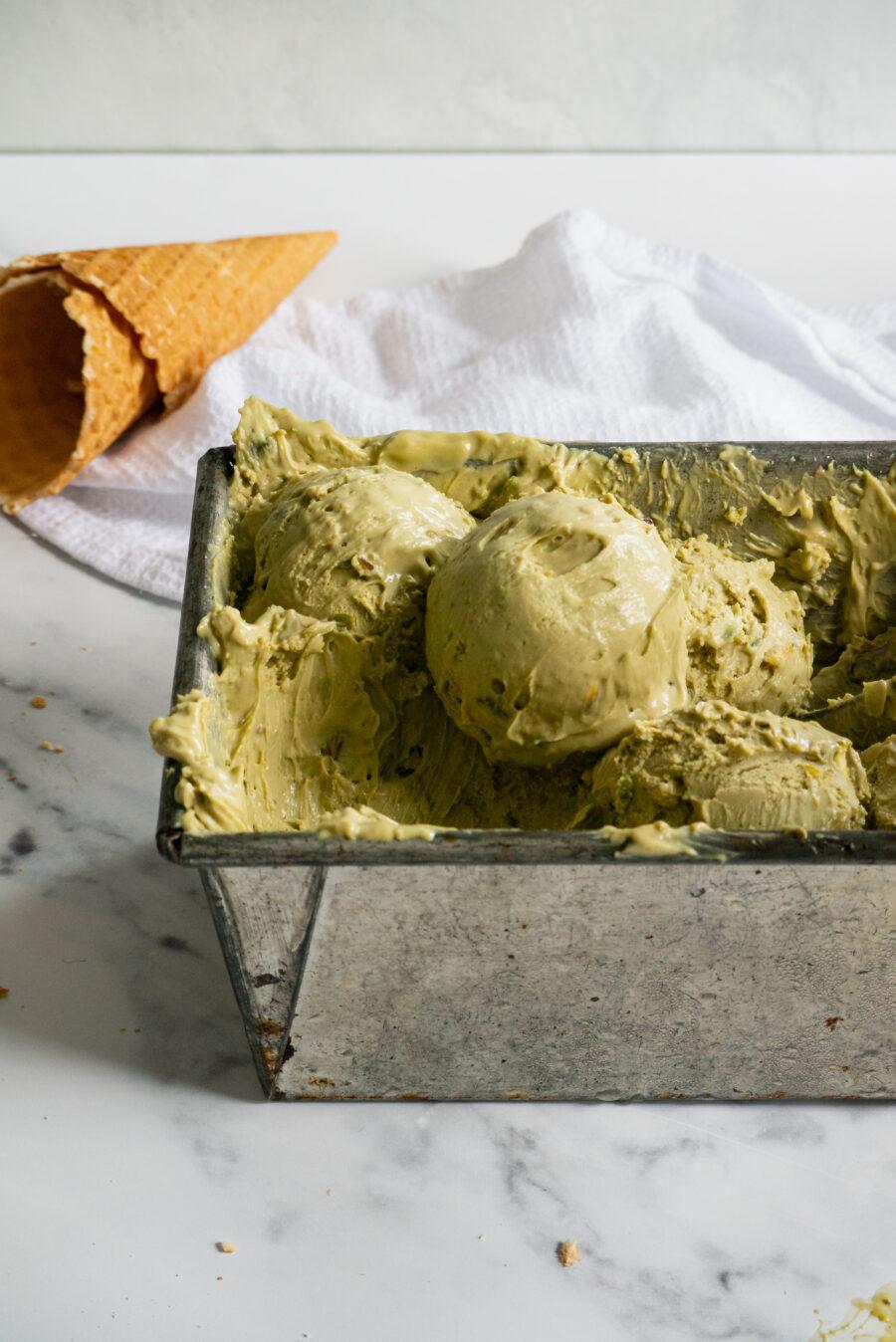Pistachio no-churn ice cream