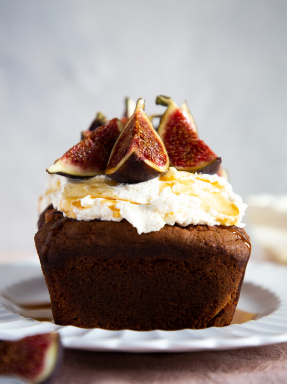 Jammy fig and ricotta loaf